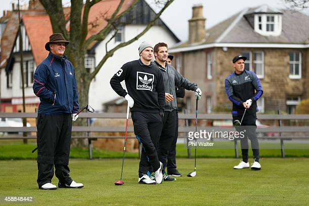 Scottish golfer Sandy Lyle waits to tee off with Beauden Barrett Richie MCaw and Israel Dagg of the All Blacks during round of golf at the Gullane...