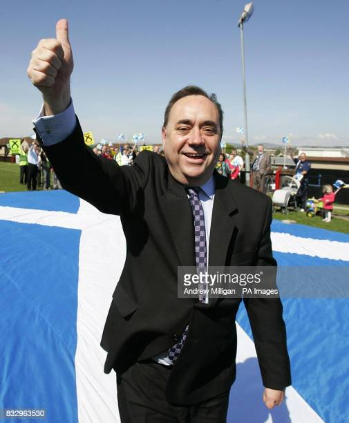 Scottish National Party leader Alex Salmond canvasses in the town of Rosyth whilst on the Scottish Parliamentary election trail