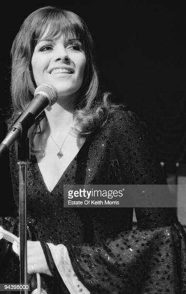 Scottish singer Eve Graham of The New Seekers in concert 1977