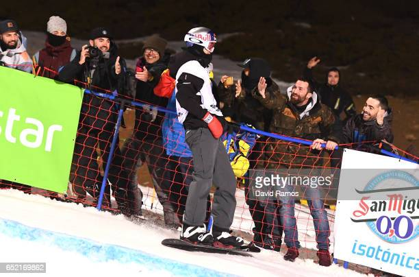 Scotty James of Australia celebrates winning the gold medal with fans during the Men's Snowboard Halfpipe Final on day four of the FIS Freestyle Ski...