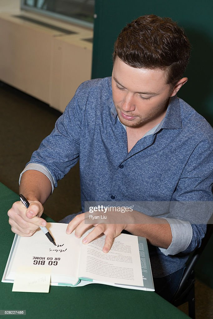 <a gi-track='captionPersonalityLinkClicked' href=/galleries/search?phrase=Scotty+McCreery&family=editorial&specificpeople=7520936 ng-click='$event.stopPropagation()'>Scotty McCreery</a> attends his book signing event <a gi-track='captionPersonalityLinkClicked' href=/galleries/search?phrase=Scotty+McCreery&family=editorial&specificpeople=7520936 ng-click='$event.stopPropagation()'>Scotty McCreery</a> Signs Copies Of 'Go Big Or Go Home' at Barnes & Noble Citigroup Center on May 4, 2016 in New York City.