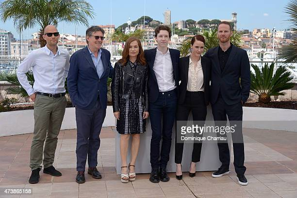 Screenwriter Eskil Vogt actors Gabriel Byrne Isabelle Huppert Devin Druid Rachel Brosnahan and director Joachim Trier attend the 'Louder Than Bombs'...