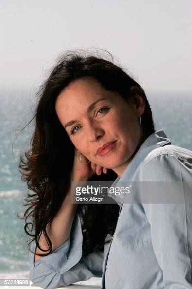 Guinevere Turner Nude Photos 36