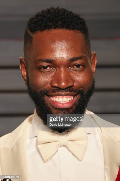 Screenwriter Tarell Alvin McCraney attends the 2017 Vanity Fair Oscar Party hosted by Graydon Carter at the Wallis Annenberg Center for the...