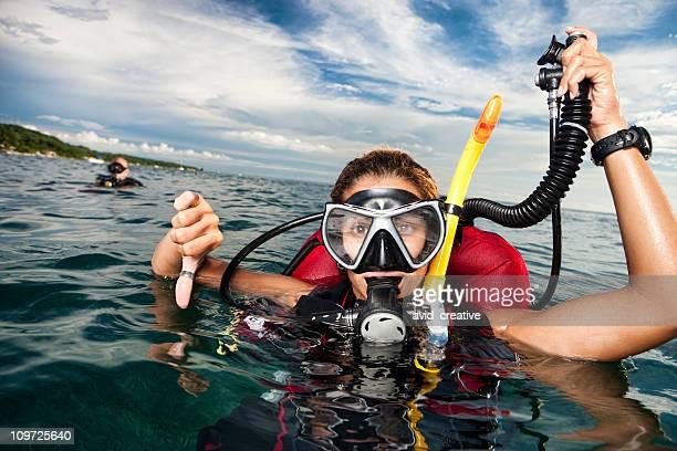 Scuba Divers: Going Down!