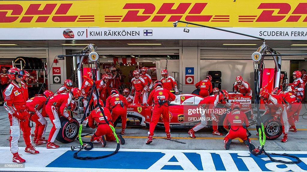 Scuderia Ferrari's Finnish driver Kimi Raikkonen takes a pit stop during the Formula One Russian Grand Prix at the Sochi Autodrom circuit on May 1, 2016. / AFP / POOL / Srdjan Suki