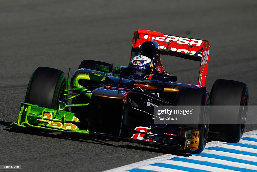 Scuderia Toro Rosso driver <a gi-track='captionPersonalityLinkClicked' href=/galleries/search?phrase=Daniel+Ricciardo&family=editorial&specificpeople=6547569 ng-click='$event.stopPropagation()'>Daniel Ricciardo</a> of Australia drives with flow point on the new STR7 during Formula One winter testing at the Circuito de Jerez on February 7, 2012 in Jerez de la Frontera, Spain.