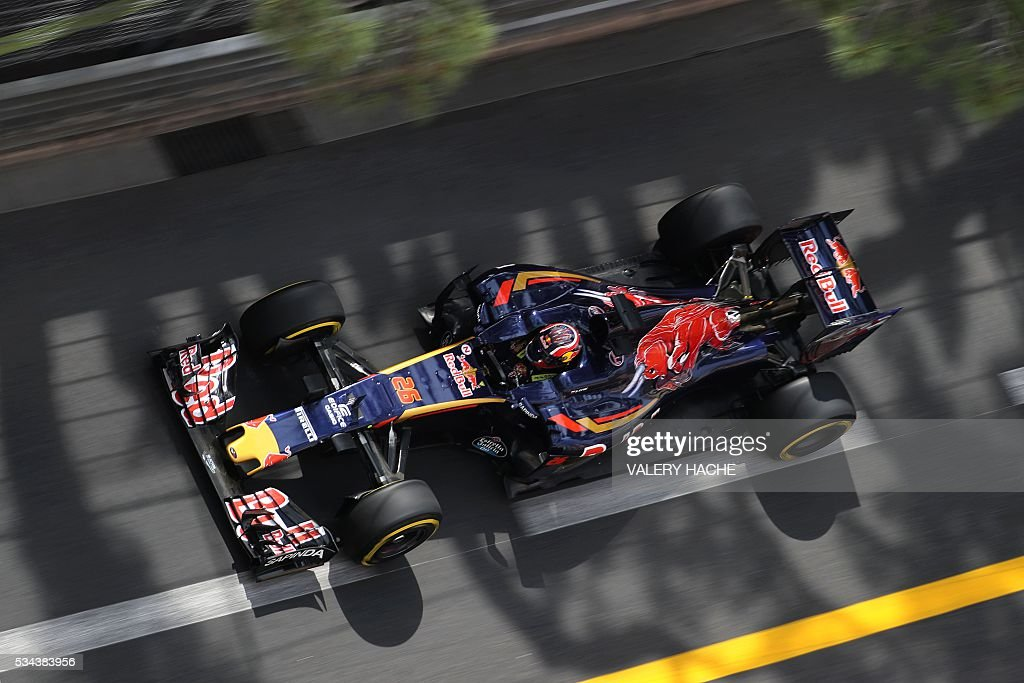Scuderia Toro Rosso's Russian driver Daniil Kvyat drives during the first practice session at the Monaco street circuit, on May 26, 2016 in Monaco, three days ahead of the Monaco Formula 1 Grand Prix. / AFP / Valery HACHE