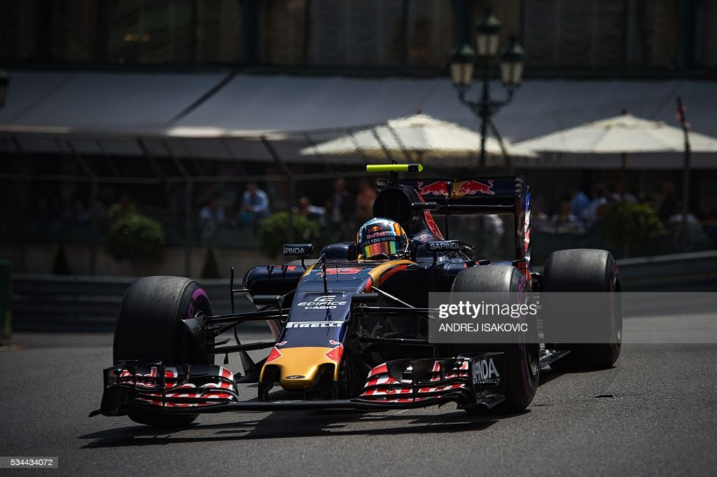 Scuderia Toro Rosso's Spanish driver Carlos Sainz Jr drives during the second practice session at the Monaco street circuit, on May 26, 2016 in Monaco, three days ahead of the Monaco Formula 1 Grand Prix. / AFP / ANDREJ