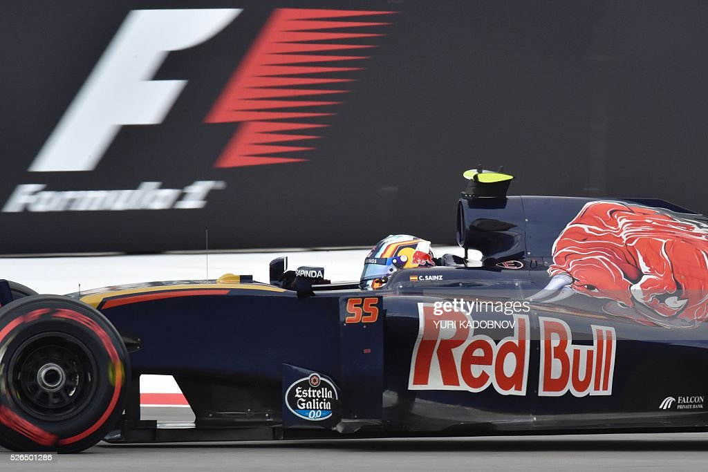 Scuderia Toro Rosso's Spanish driver Carlos Sainz Jr steers his car during the qualifying session of the Formula One Russian Grand Prix at the Sochi Autodrom circuit on April 30, 2016. / AFP / YURI