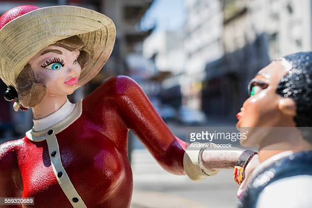 Sculpture of cartoon characters 'Chicas Divito'.