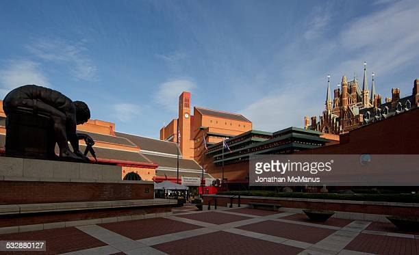 Sculpture of Newton looking towards British Library