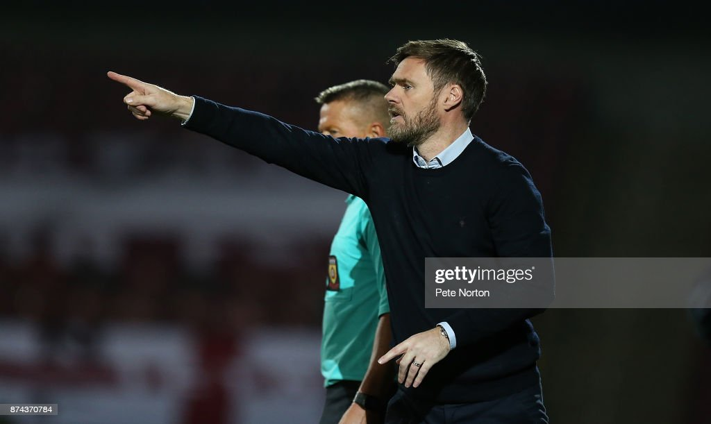 Scunthorpe United manager Graham Alexander gives instructions during the Emirates FA Cup First Round Replay match between Scunthorpe United and Northampton Town at Glanford Park on November 14, 2017 in Scunthorpe, England.
