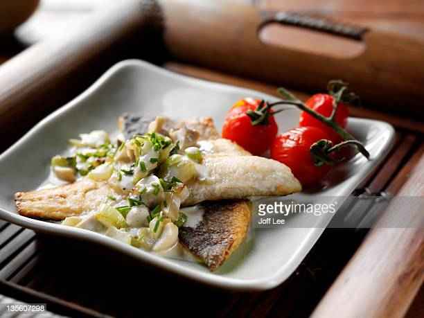 Sea bass with fennel and roasted tomatoes