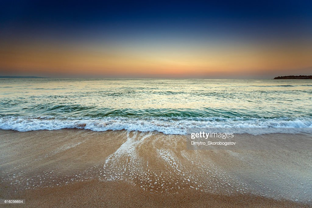 sea shore with a sandy beach : Foto de stock