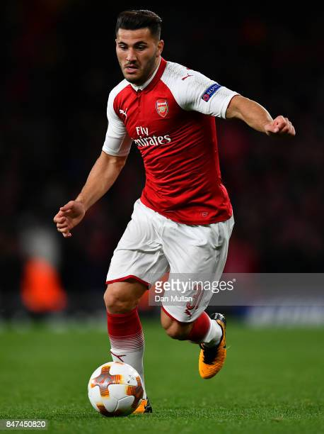 Sead Kolasinac of Arsenal controls the ball during the UEFA Europa League group H match between Arsenal FC and 1 FC Koeln at Emirates Stadium on...