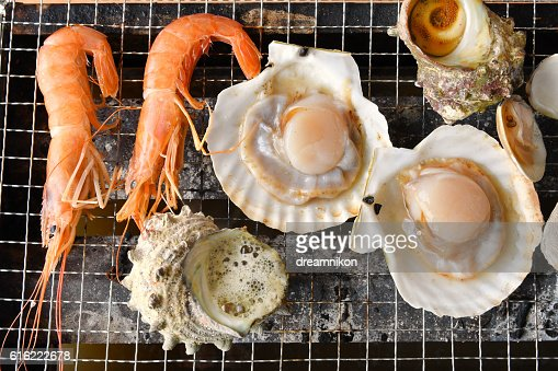 Seafood bar I queue : Stock Photo