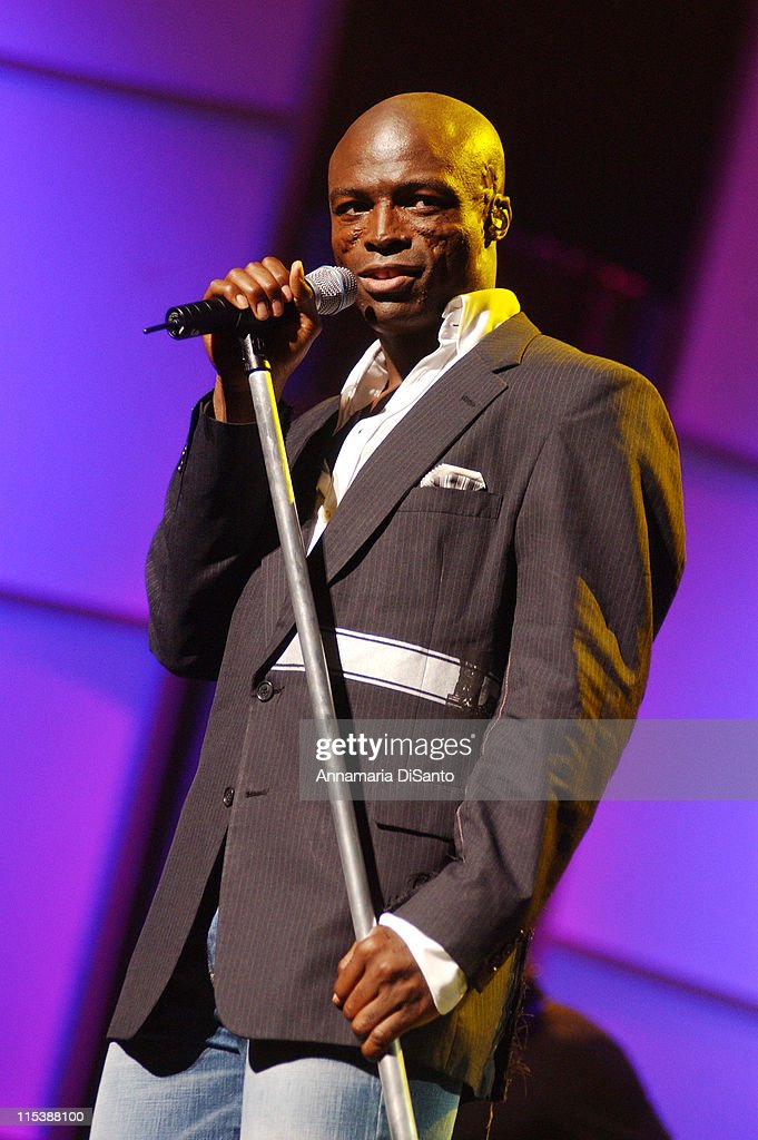 Seal during Bogart Tour For A Cure 2003 featuring Seal, Jonny Lang, Michael McDonald, Gavin DeGraw, Queen Latifah and Sharon Osbourne at Kodak Theatre in Los Angeles, California, United States.