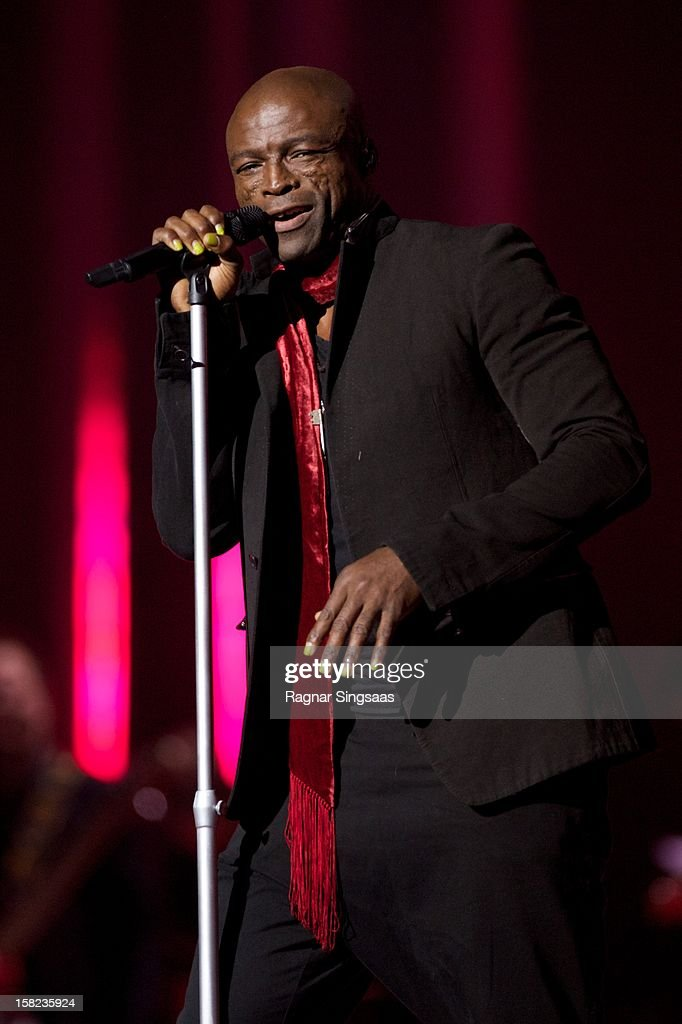 Seal performs at the Nobel Peace Prize Concert at Oslo Spektrum on December 11, 2012 in Oslo, Norway.