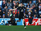 Seamus Coleman of Everton celebrates his goal during the Barclays Premier League match between Queens Park Rangers and Everton at Loftus Road on...