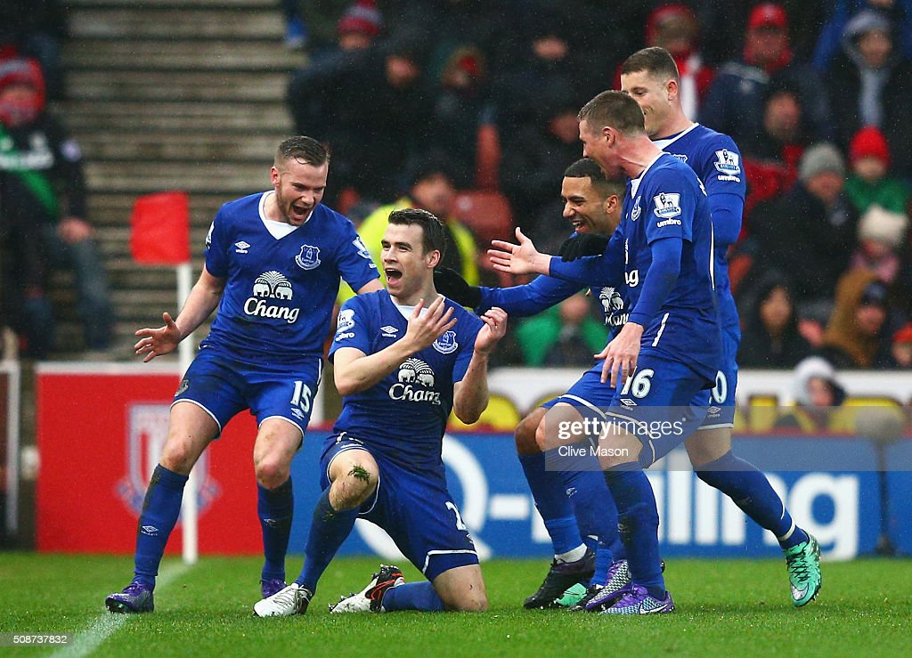 <a gi-track='captionPersonalityLinkClicked' href=/galleries/search?phrase=Seamus+Coleman&family=editorial&specificpeople=6005260 ng-click='$event.stopPropagation()'>Seamus Coleman</a> (2nd L) of Everton celebrates scoring his team's second goal with his team mates during the Barclays Premier League match between Stoke City and Everton at Britannia Stadium on February 6, 2016 in Stoke on Trentl, England.