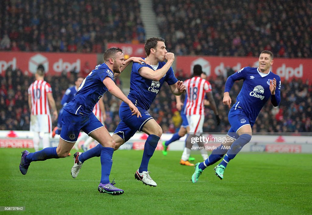 Seamus Coleman of Everton celebrates with his team-mates after scoring a goal to make it 0-2 during the Barclays Premier League match between Stoke City and Everton at the Britannia Stadium on February 06, 2016 in Stoke-on-Trent, England.