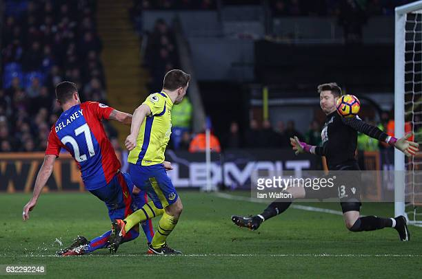 Seamus Coleman of Everton scores his sides first goal past Wayne Hennessey of Crystal Palace during the Premier League match between Crystal Palace...