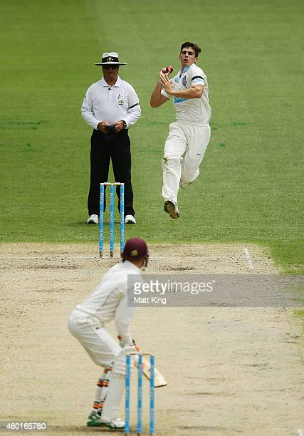 Sean Abbott of the Blues bowls during day one of the Sheffield Shield match between New South Wales and Queensland at Sydney Cricket Ground on...