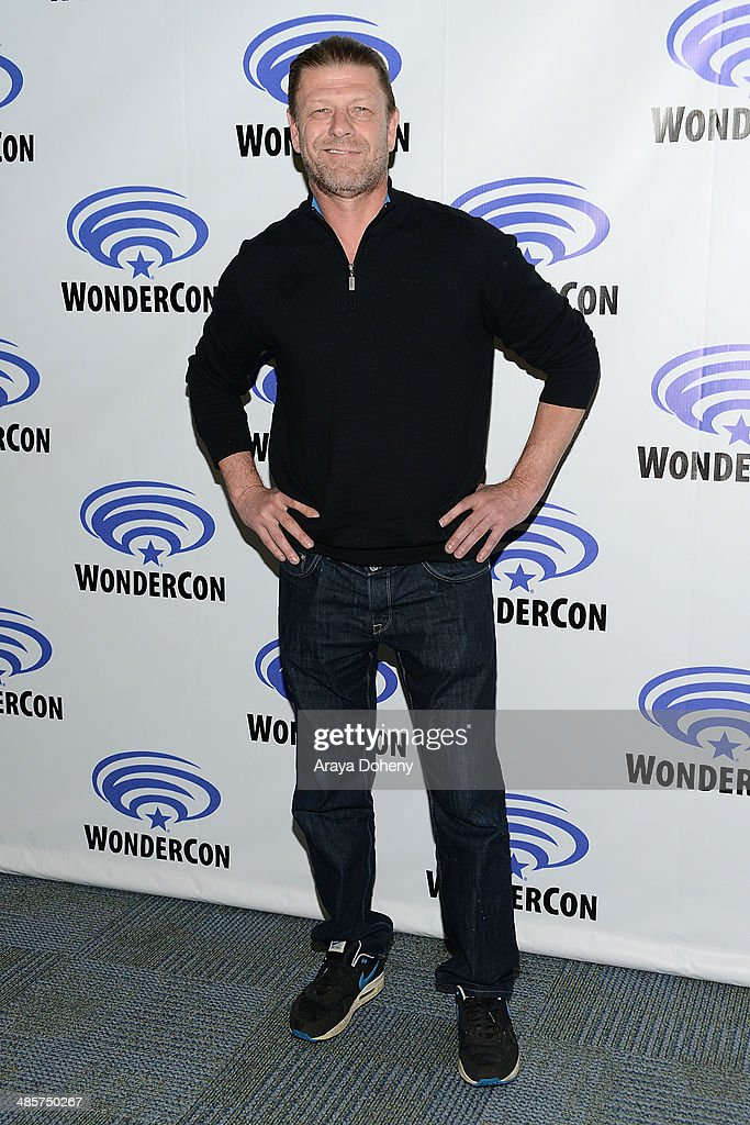 <a gi-track='captionPersonalityLinkClicked' href=/galleries/search?phrase=Sean+Bean&family=editorial&specificpeople=160620 ng-click='$event.stopPropagation()'>Sean Bean</a> attends the Legends paress line at WonderCon Anaheim 2014 Day 2 at Anaheim Convention Center on April 19, 2014 in Anaheim, California.