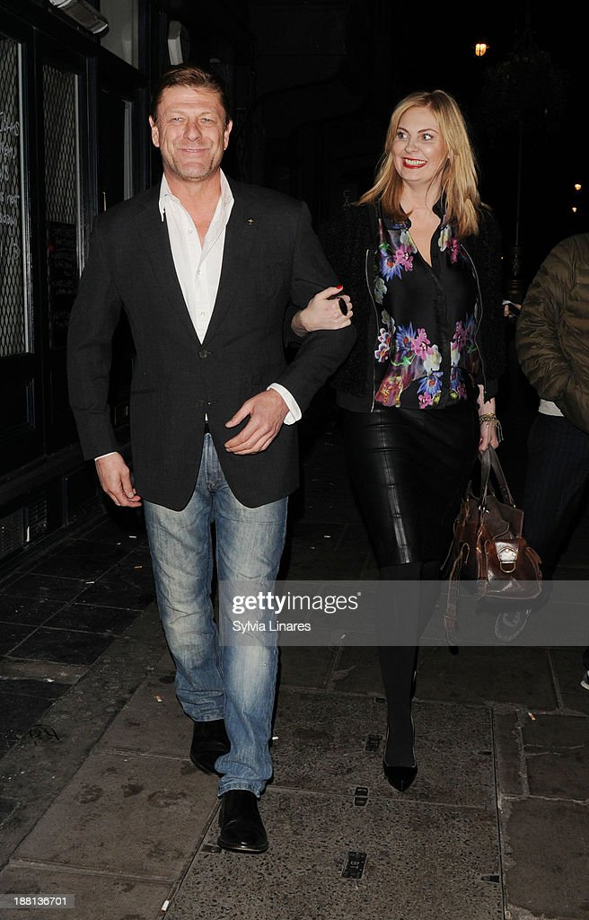 <a gi-track='captionPersonalityLinkClicked' href=/galleries/search?phrase=Sean+Bean&family=editorial&specificpeople=160620 ng-click='$event.stopPropagation()'>Sean Bean</a> leaving The Groucho Club on November 15, 2013 in London, England.