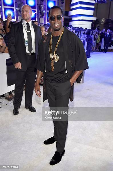 sean-diddy-combs-aka-puff-daddy-attends-the-2016-mtv-video-music-at-picture-id597562844