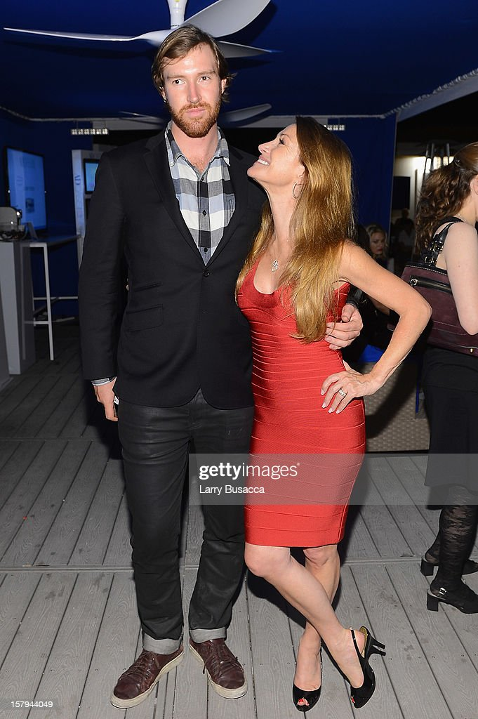 <a gi-track='captionPersonalityLinkClicked' href=/galleries/search?phrase=Sean+Flynn&family=editorial&specificpeople=221320 ng-click='$event.stopPropagation()'>Sean Flynn</a> and actress Jane Seymour attend AD Oasis & Sunbrella host Cocktail Party Celebrating AD100 Designer Mark Cunningham at The Raleigh on December 7, 2012 in Miami, Florida.
