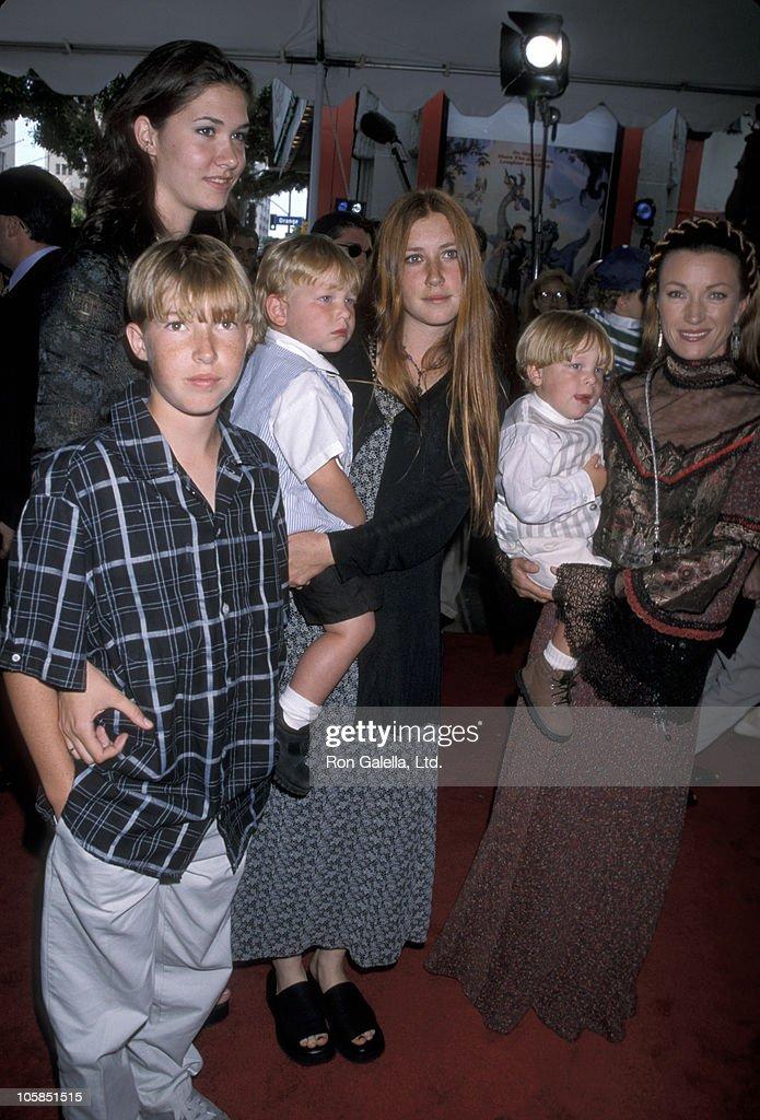 Sean Flynn, Jennifer Flynn, Katherine Flynn, Jane Seymour, and twins Kristopher Keach and John Keach