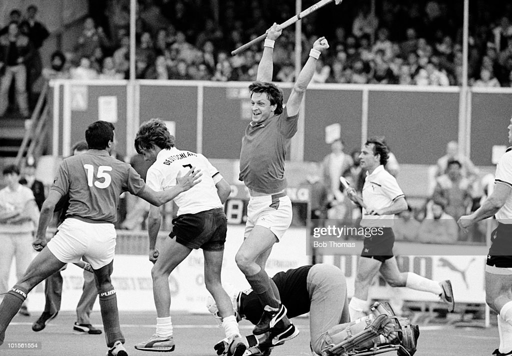 Sean Kerly of England celebrates after scoring against West Germany during the 6th FIH World Hockey Cup for Men Semi-Final held at Willesden, England on 18th October 1986. England beat West Germany 3-2. (Bob Thomas/Getty Images).