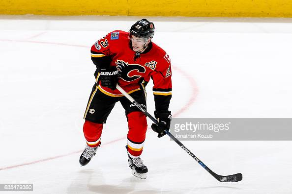 Sean Monahan of the Calgary Flames keeps an eye on the play during third period action against the Winnipeg Jets at the MTS Centre on January 9 2017...