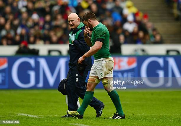 Sean O'Brien of Ireland leaves the field due to injury during the RBS Six Nations match between France and Ireland at the Stade de France on February...