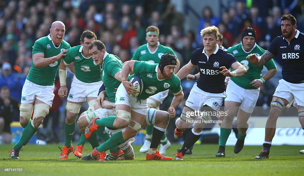 Sean O'Brien of Ireland runs in to score the second try during the RBS Six Nations match between Scotland and Ireland at Murrayfield on March 21 2015...