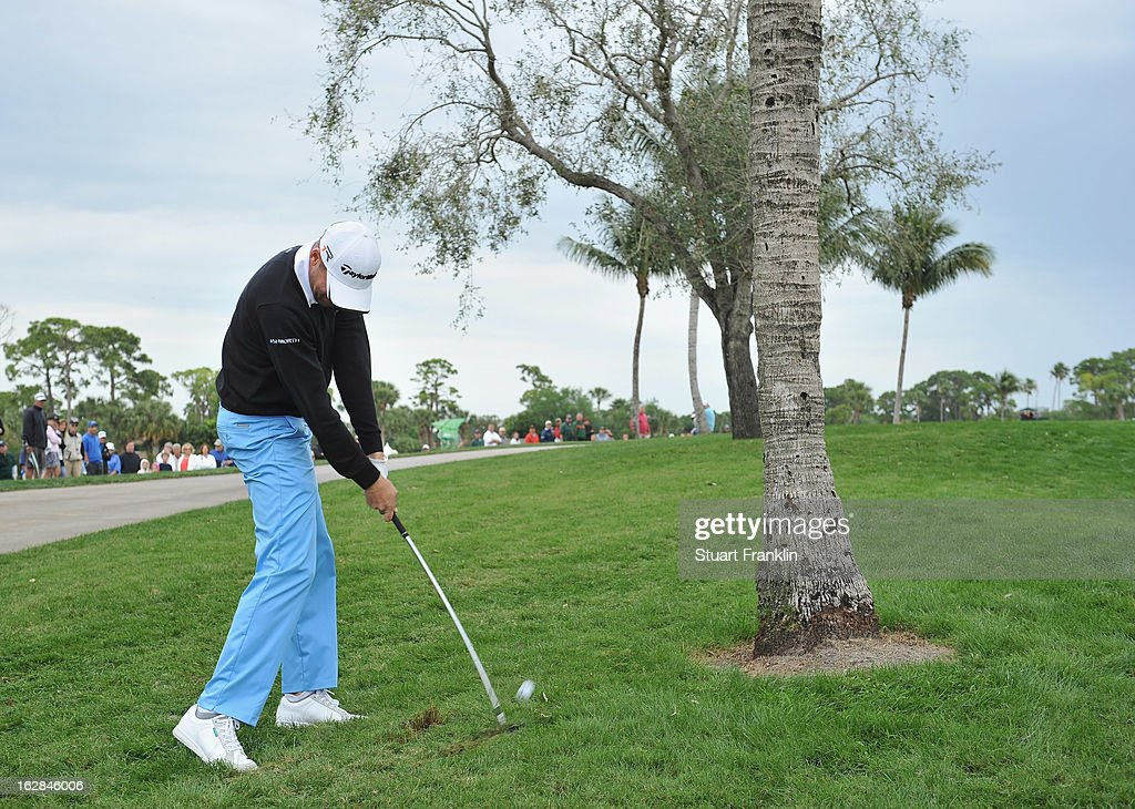 Sean O'Hair of USA plays his approach shot on the sixth hole during the first round of the Honda Classic on February 28, 2013 in Palm Beach Gardens, Florida.