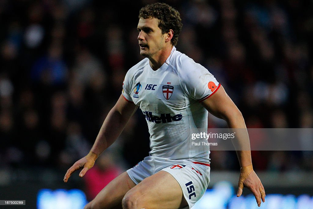 Sean O'Loughlin of England in action during the Rugby League World Cup Group A match at the KC Stadium on November 9, 2013 in Hull, England.