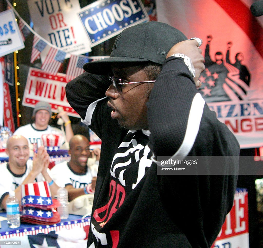 Sean P. Diddy Combs during Sean P. Diddy Combs, Rachel Bilson, Rosario Dawson and Trick Daddy Visit MTV's TRL - November 2, 2004 at MTV Studios, Times Square in New York City, New York, United States.