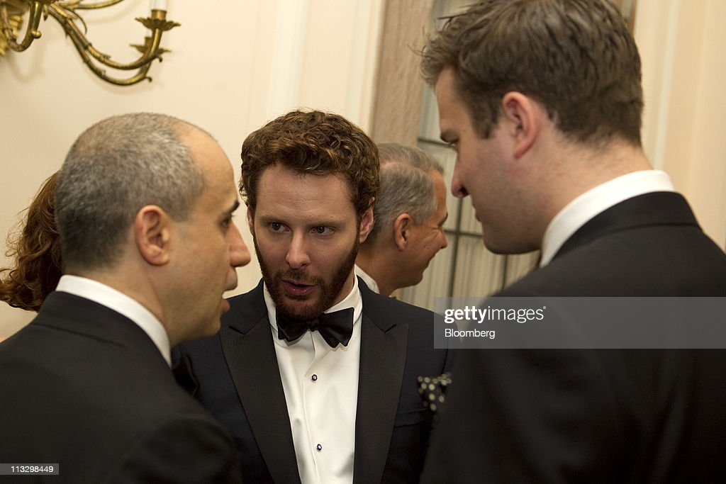 Sean Parker, co-founder of Napster Inc., center, attends the Bloomberg Vanity Fair White House Correspondents' Association (WHCA) dinner afterparty in Washington, D.C., U.S., on Saturday, April 30, 2011. The dinner raises money for WHCA scholarships and honors the recipients of the organization's journalism awards. Photographer: Andrew Harrer/Bloomberg via Getty Images