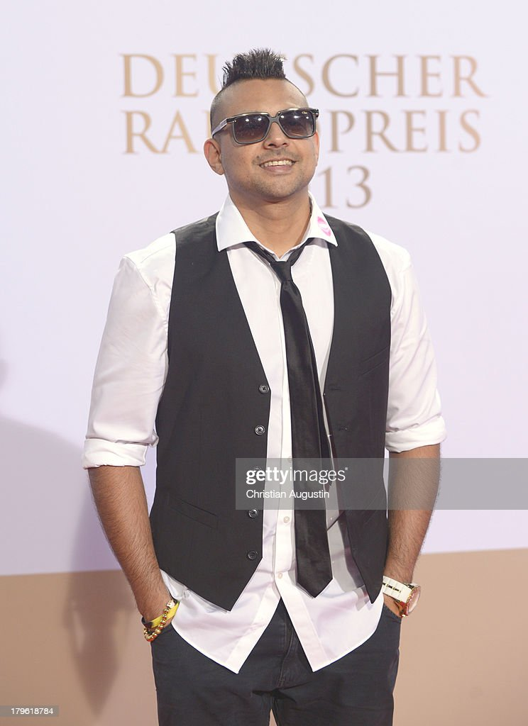 <a gi-track='captionPersonalityLinkClicked' href=/galleries/search?phrase=Sean+Paul&family=editorial&specificpeople=209242 ng-click='$event.stopPropagation()'>Sean Paul</a> attends 'Deutscher Radiopreis' at Schuppen 52 on September 5, 2013 in Hamburg, Germany.