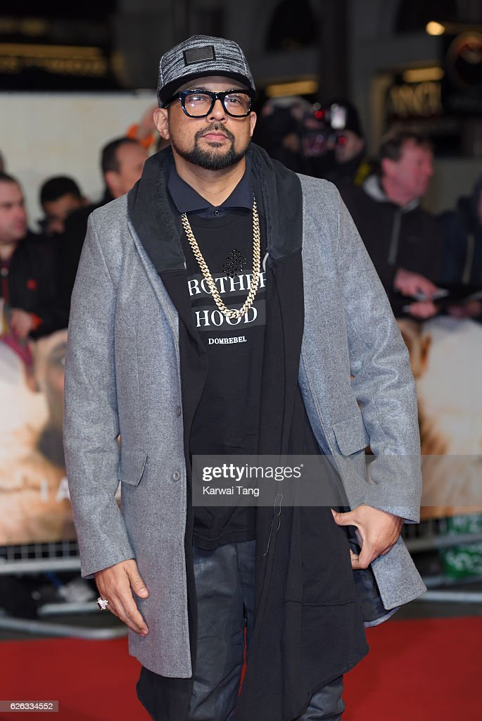 Sean Paul attends the World Premiere of 'I Am Bolt' at Odeon Leicester Square on November 28, 2016 in London, England.