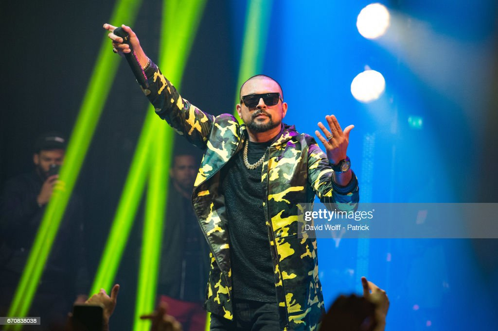 Sean Paul performs at Le Bataclan on April 20, 2017 in Paris, France.