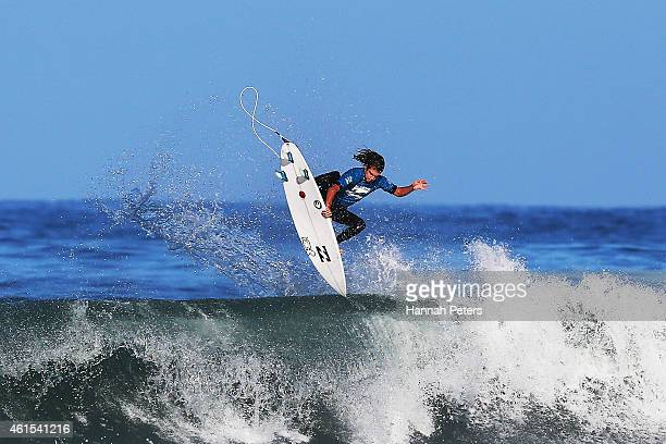Sean Peggs of Tairua competes in the Open Men's Quarter Finals during the New Zealand Surf Nationals at Piha Beach on January 15 2015 in Auckland New...