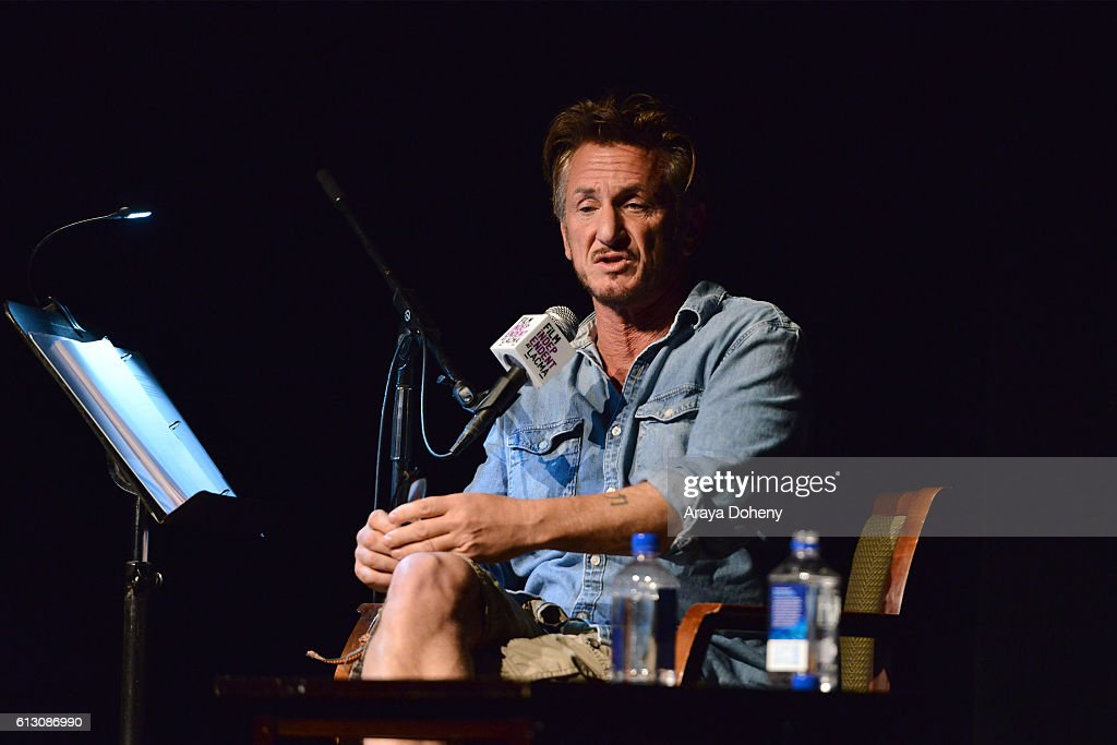 Sean Penn attends Film Independent at LACMA hosts an evening with Sean Penn at LACMA on October 6, 2016 in Los Angeles, California.