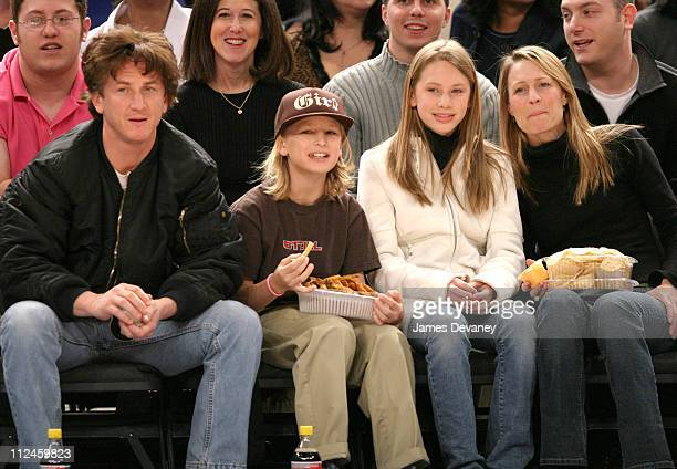 Sean Penn Hopper Jack Penn Dylan Frances Penn and Robin Wright Penn