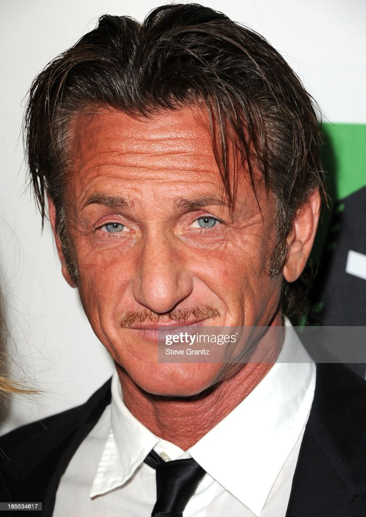 <a gi-track='captionPersonalityLinkClicked' href=/galleries/search?phrase=Sean+Penn&family=editorial&specificpeople=202979 ng-click='$event.stopPropagation()'>Sean Penn</a> poses at the 17th Annual Hollywood Film Awards at The Beverly Hilton Hotel on October 21, 2013 in Beverly Hills, California.