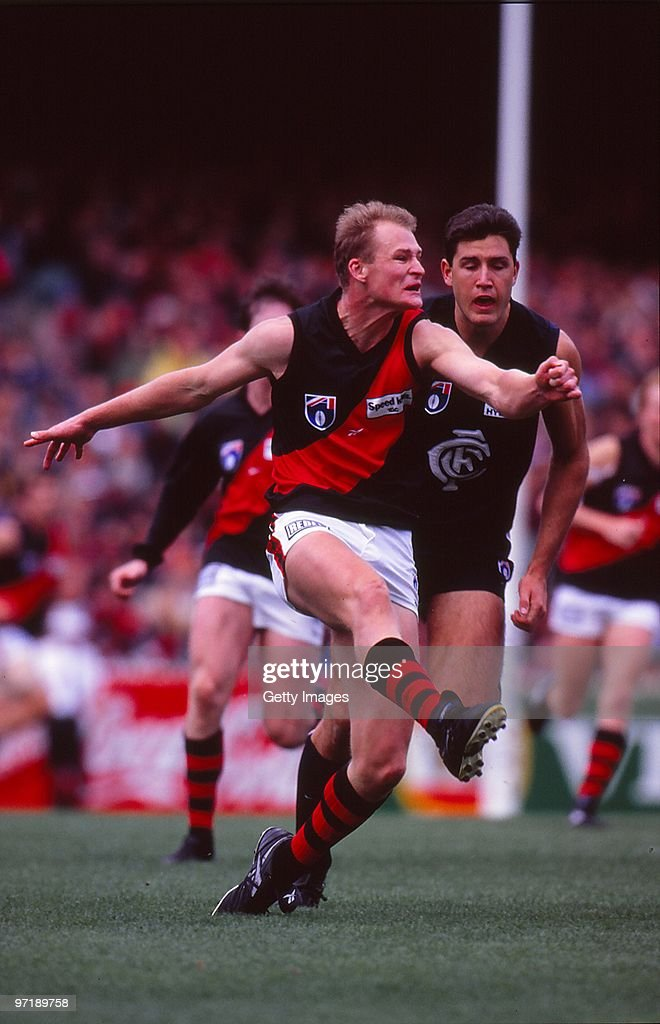 Sean Wellman of the Bombers kicks during the a AFL match between Essendon and Carlton in Melbourne Australia
