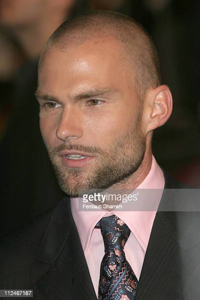 Seann William Scott during 'The Dukes of Hazzard' London Premiere Outside Arrivals at Vue Leicester Square in London Great Britain
